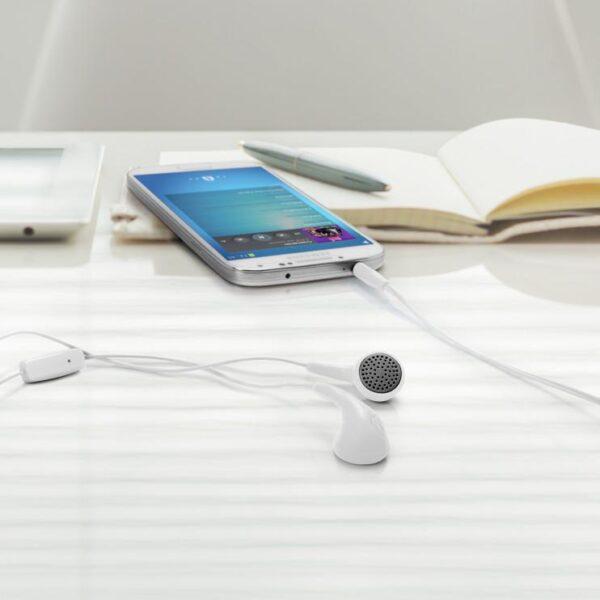 iLuv Bubble Gum Talk Earbuds Headphones Connected