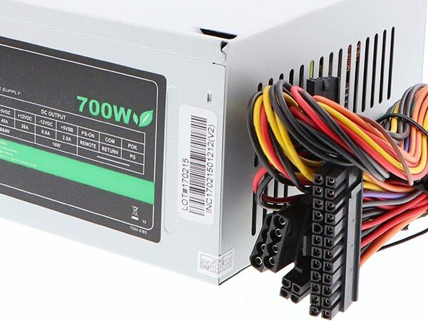 Xtech 700 Watt Power Supply 1