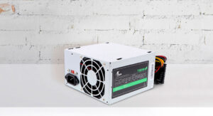 Xtech 700 Watt Power Supply 2